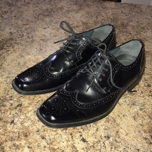 BRAND NEW Stacy Adams Black Leather Wingtips
